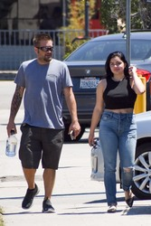 Ariel Winter - Out for lunch in Toluca Lake 6/26/18