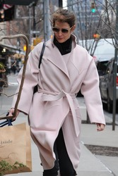 Cobie Smulders - Shopping in NYC 1/10/19