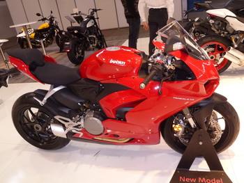 Salon Motocycliste de LYON. 894dcf1334150735