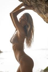 https://thumbs2.imagebam.com/17/b1/ea/4debd21342115955.jpg