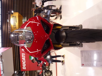 Salon Motocycliste de LYON. 6a78f71334150758