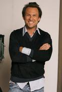 Кристиан Слэйтер (Christian Slater) Jeff Vespa Photoshoot 2006 (8xHQ) A38d0e1353937822