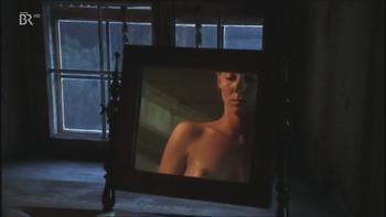 Sara Sommerfeldt  nackt