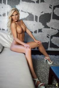 https://thumbs2.imagebam.com/41/0d/80/95ae8d1328294366.jpg