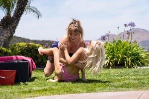 Giselle Palmer And Lilly Bell - Suds and Sass