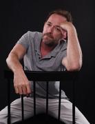 Люк Перри (Luke Perry) Comic-Con Photoshoot 2018 (5xHQ) 0990cd1353982290