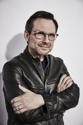 Кристиан Слэйтер (Christian Slater) Maarten de Boer Photoshoot, Comic-Con 2015 (12xHQ) 051fb11353939722
