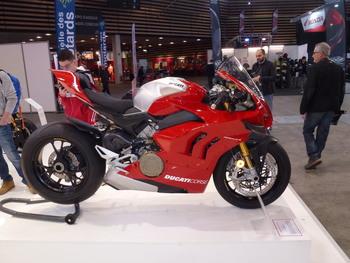 Salon Motocycliste de LYON. 9ad0381334150749