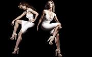 Jennifer Love Hewitt : One Hot Wallpaper