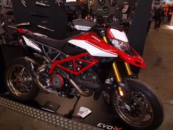Salon Motocycliste de LYON. F583ed1334150812