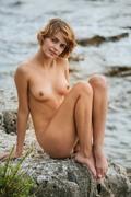 http://thumbs2.imagebam.com/90/25/d0/877e9f766837023.jpg
