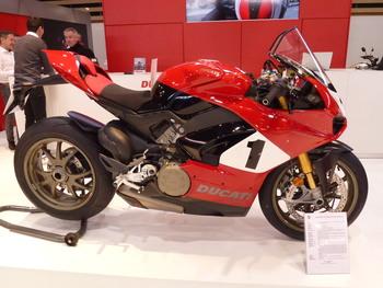 Salon Motocycliste de LYON. 5949791334150731