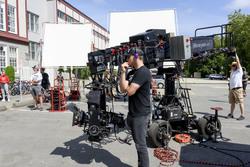 Интервью Дженсена для Variety о работе над эпизодом 15.04 в качестве режиссёра