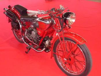 Salon Motocycliste de LYON. 88efb41334152151