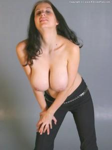 https://thumbs2.imagebam.com/96/f4/f6/c0edab1328936596.jpg