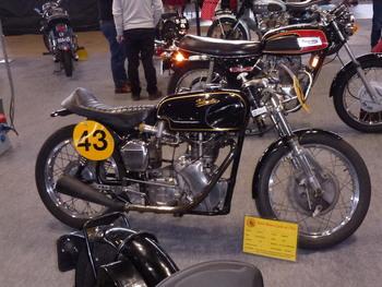 Salon Motocycliste de LYON. Aaf9ae1334414024