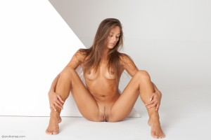 https://thumbs2.imagebam.com/cb/57/4e/e51dd21328707309.jpg