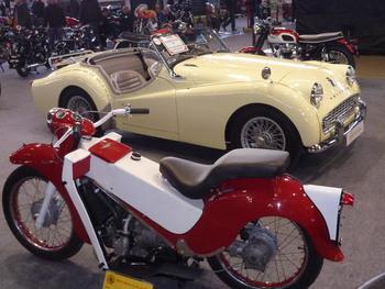 Salon Motocycliste de LYON. 52e2aa1334232118