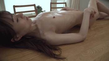 皮包骨头的性感 现役体操运动员 Youtuber 冲击视频