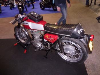 Salon Motocycliste de LYON. D902fc1334150793