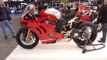 Salon Motocycliste de LYON. Af2be11334150775