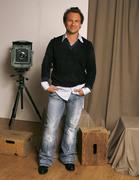 Кристиан Слэйтер (Christian Slater) Jeff Vespa Photoshoot 2006 (8xHQ) Cf7a611353937863