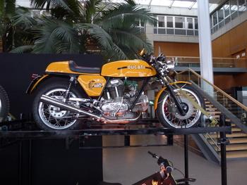Salon Motocycliste de LYON. De0a5a1334150718