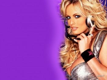Jennifer Lawrence - Nude Celebrities Forum   FamousBoard.com - Page 4
