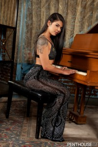 Gina Valentina - Electric Desire   08/24/19